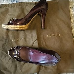 Gucci pumps- with 2 dust bags